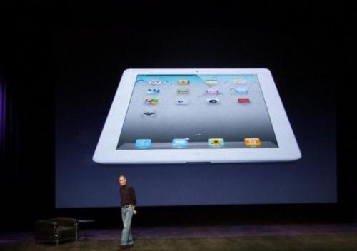 article_iPad2-Jobs