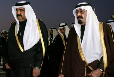 Abdallah le roi d'Arabie et Hamad ben Khalifa Al Thani, émir du Qatar