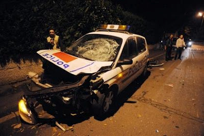 La voiture de police accidentée
