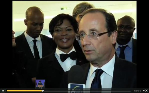 Calixthe Beyala et François Hollande (Palais des congrès le 14 avril 2012)
