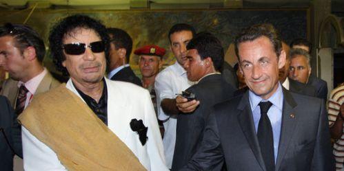 Mouammar Kadhafi et son bourreau