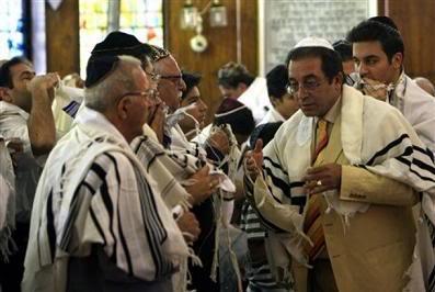 Juifs Iraniens dans une synagogue de Téhéran