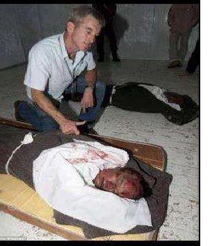 Chris Stevens, se félicitant de la mort de Kadhafi