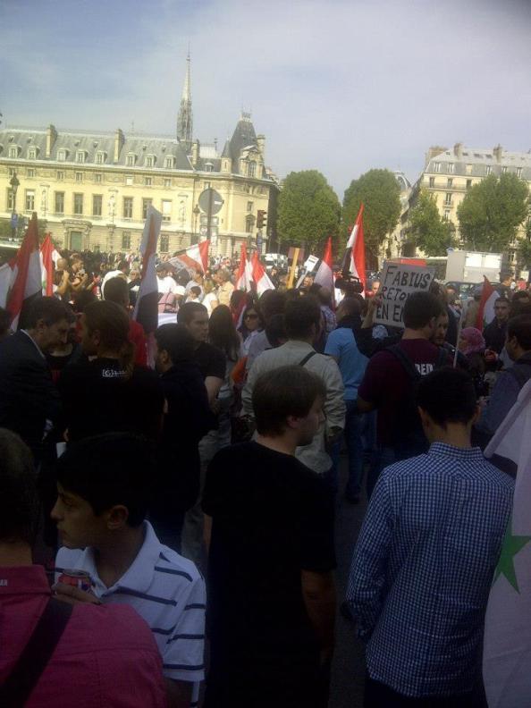 Grande manifestation à Paris, hier, contre la guerre en Syrie/Crédits photo/ Alain Benajam
