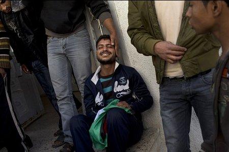 Khaled Tafesh assis devant la morgue