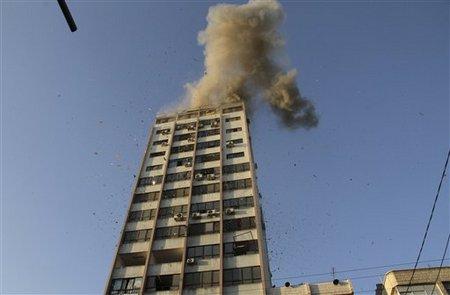 Siège de la télévision al-Aqsa en feu