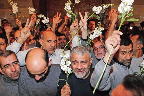 Retraités Iraniens libérés, présentés comme combattants