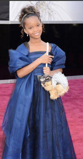 Quvenzahné Wallis, hier aux oscars, avec une robe Giorgio Armani