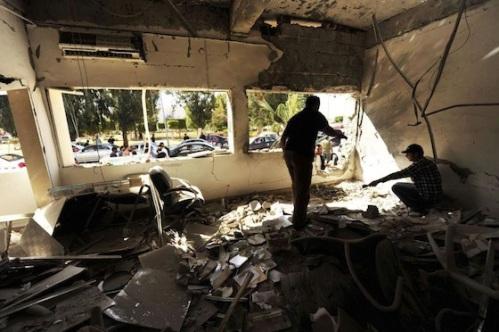 Intérieur du poste après l'explosion