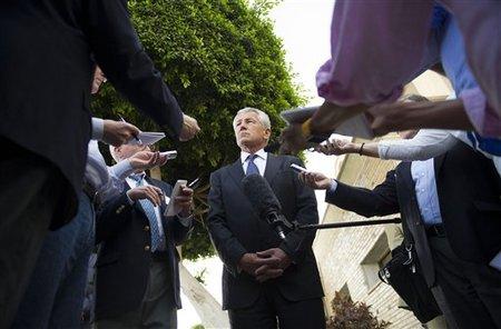 Chuck Hagel, face aux journalistes au Caire, le 24-04-2013 . Crédits photo /AP /Jim Watson, Pool