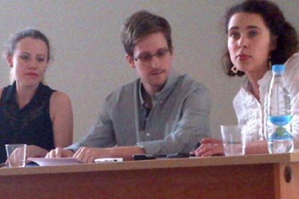 Edward Snowden pendant un réunion d'activistes des droits de l'Homme organisé dans un aéroport de Moscou, le 12 juillet 2013.