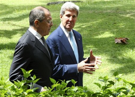 John Kerry et Sergey Lavrov/7 octobre/ Bali/ crédits photo/ AP/ Firdia Lisnawati