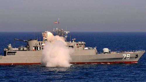 Le destroyer iranien « Bayandor »