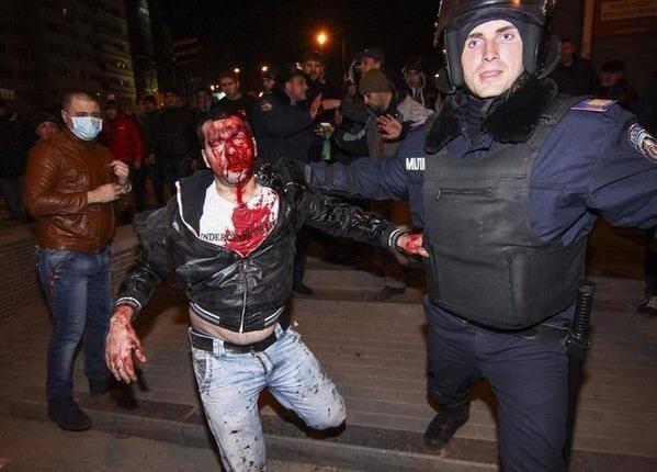 Donetsk: Un pro-russe blessé. Personne ne sait d'où provient le coup de feu