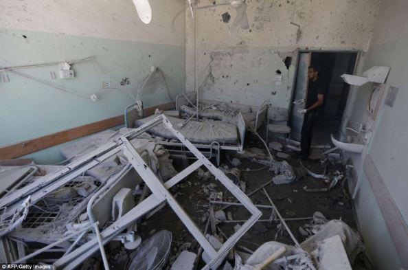 Destruction de l'hôpital Al-Aqsa à Deir al-Balah (Gaza)