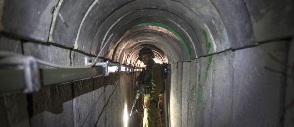 Soldat de Tsahal dans un tunnel à Gaza