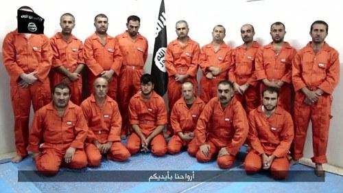 Soldats kurdes capturés par l'EI et grimés en prisonniers de Guantanamo