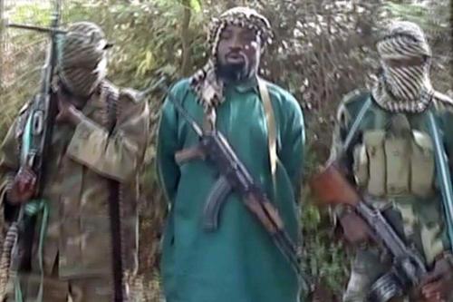 Abubakar Shekau (au centre), le chef de Boko Haram