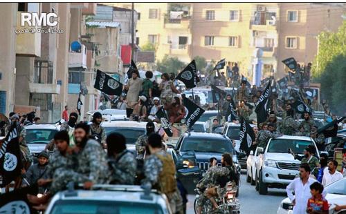 Parade jihadiste à Raqqa