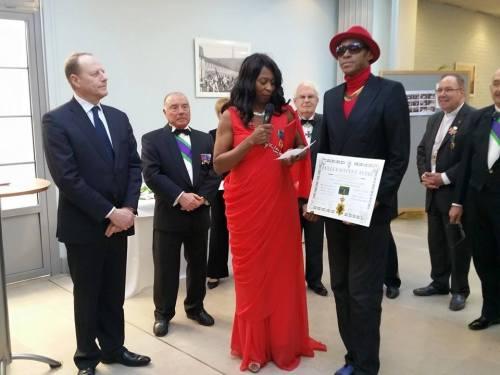 Ayissi Le Duc et son diplôme