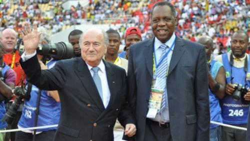 Sepp Blatter et Issa Hayarou