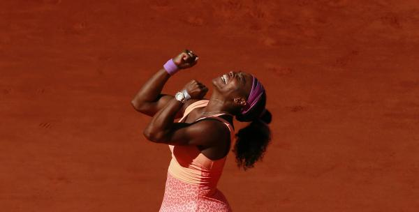 Tennis - French Open - Roland Garros, Paris, France - 6/6/15 Women's Singles - USA's Serena Williams celebrates victory in the final Action Images via Reuters / Jason Cairnduff Livepic