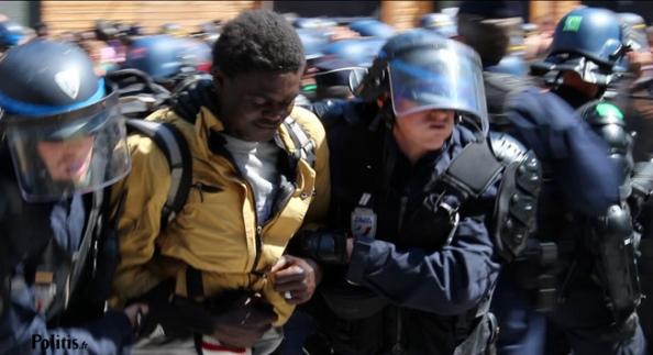 Migrant expulsé manu militari